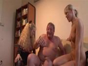 Порно где отец трахает дочь