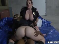 Трахает проститутку видео
